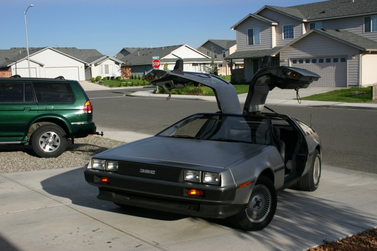 http://www.ryanwright.com/delorean/ext13.jpg